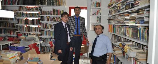 İstanbul Küçükçekmece Yunus Emre Ortaokulu Kitap Bağışı