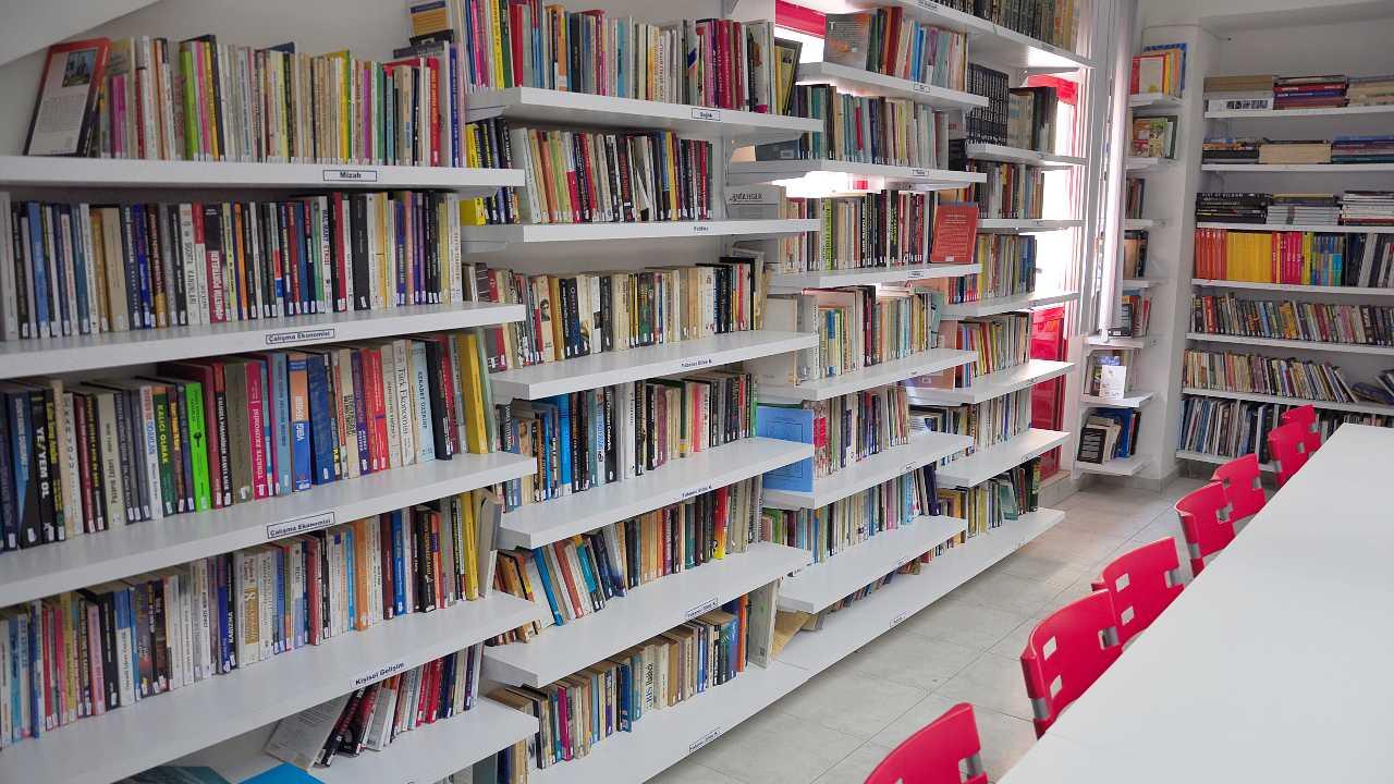 ZEST Kütüphanesi, Kütüphane, Library
